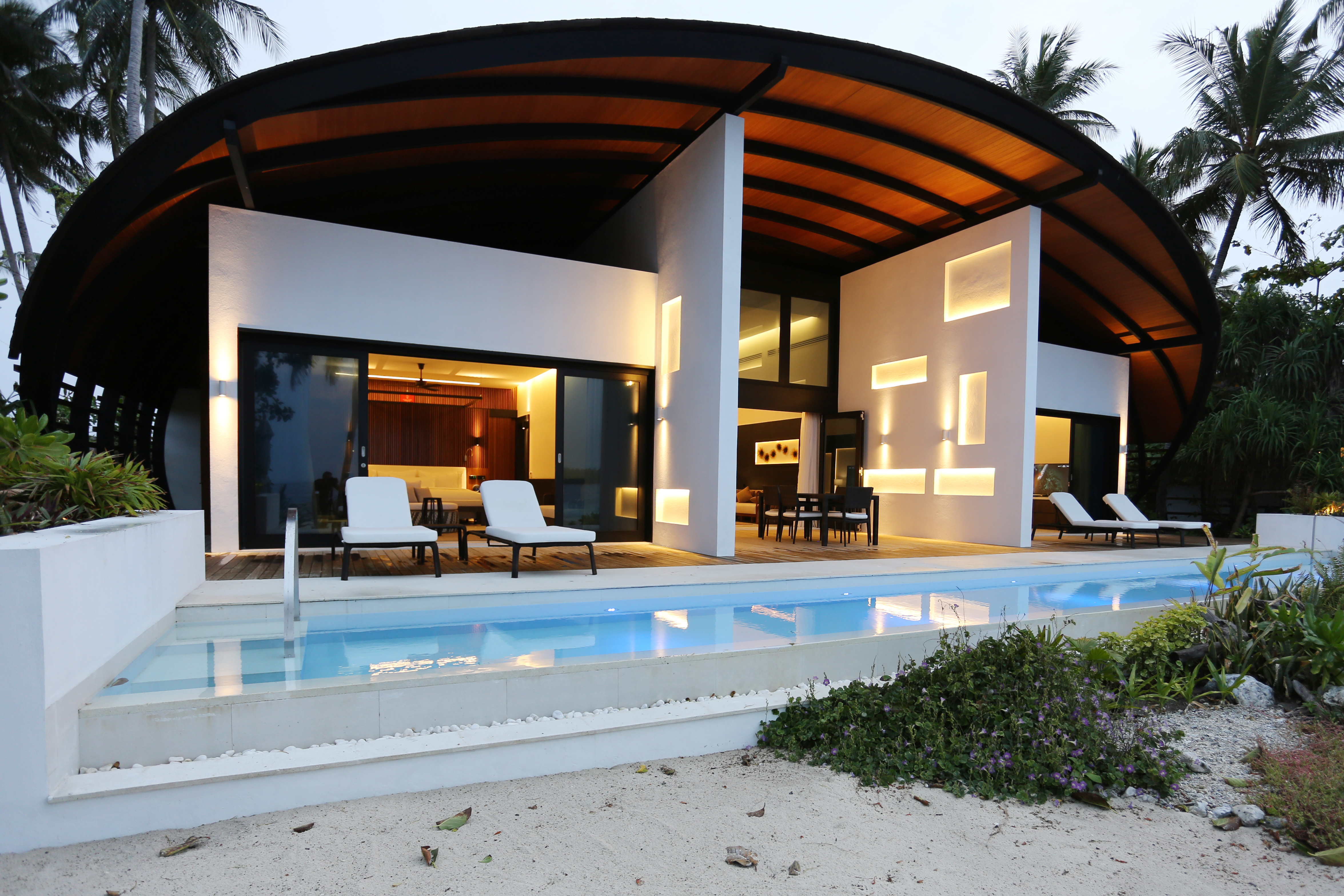 8_Westin Maldives - 2BR Island Residence Exterior night
